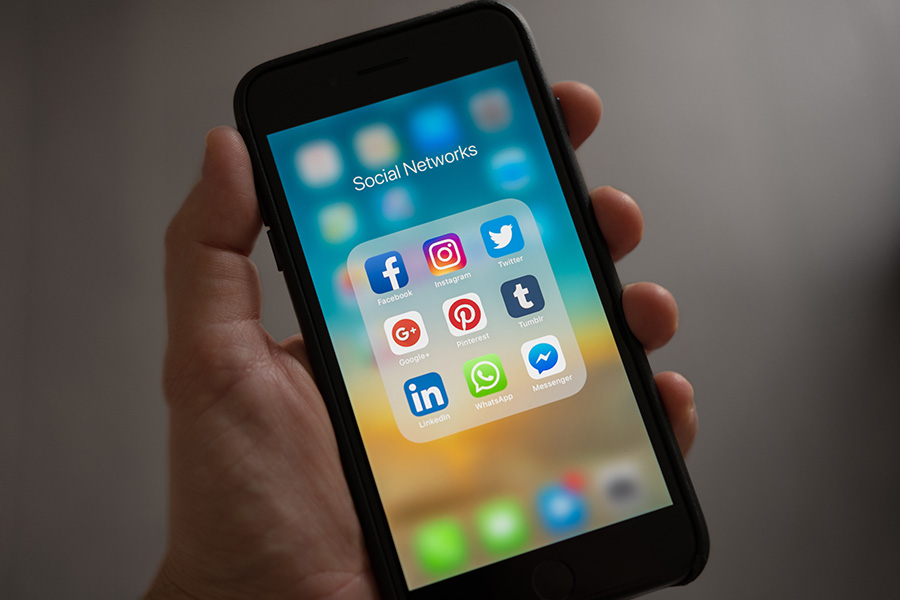 Postagens em redes sociais podem fazer empregadores desistirem de contratar | BIT Cursos