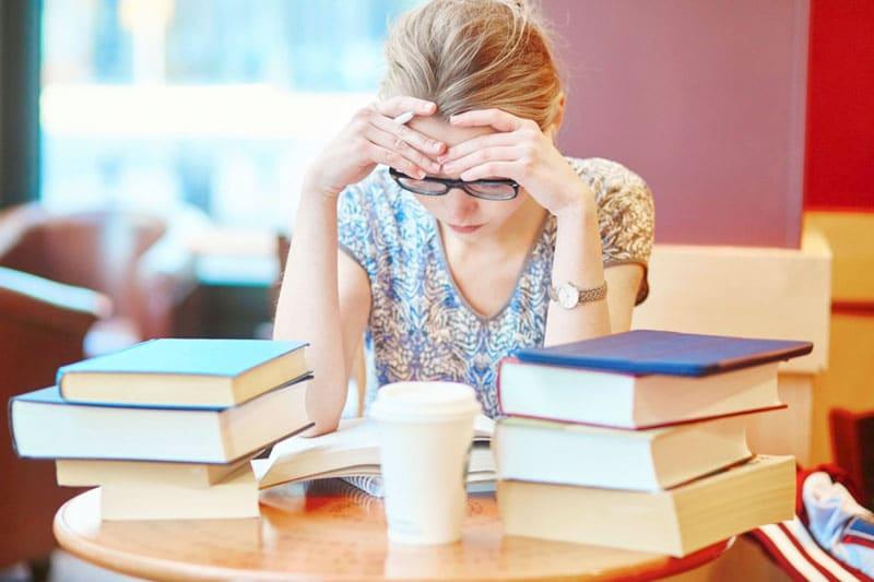 Os fatores que estão atrapalhando sua fluência no inglês | BIT Cursos