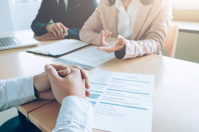 Como acertar ao falar de si em uma entrevista de emprego | BIT Cursos