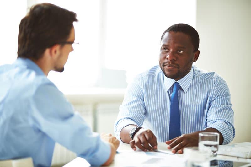 O que você não deve fazer em uma entrevista de emprego | BIT Cursos